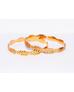 KR GOLD PLATED DAIMOND DOT DESIGN & THICK 2 BANGLES OF 1 SET SIZE 2.6