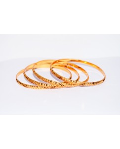 KR GOLD PLATED STAR WITH DOT DESIGN & THIN 4 BANGLES OF 1 SET SIZE 2.6